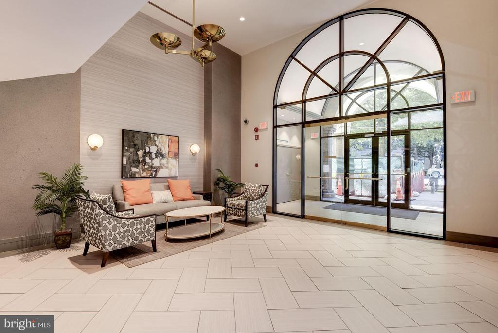 The building's newly renovated Lobby - 2725 CONNECTICUT AVE NW #607, WASHINGTON