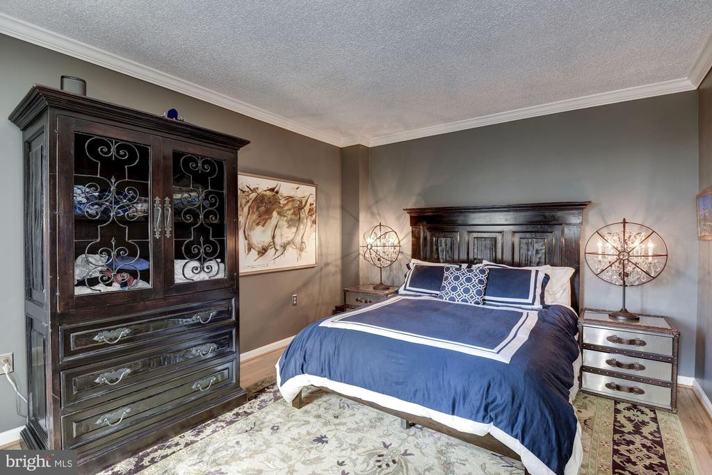 King sized bedroom - 2725 CONNECTICUT AVE NW #607, WASHINGTON