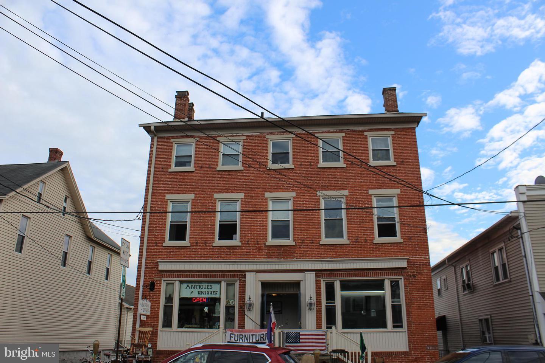 Multi Familie für Verkauf beim New Holland, Pennsylvanien 17557 Vereinigte Staaten