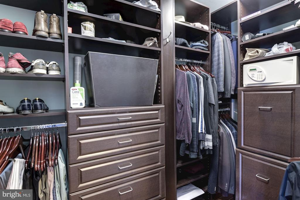 Master Walk-in Closet - 10888 SYMPHONY PARK DR, NORTH BETHESDA