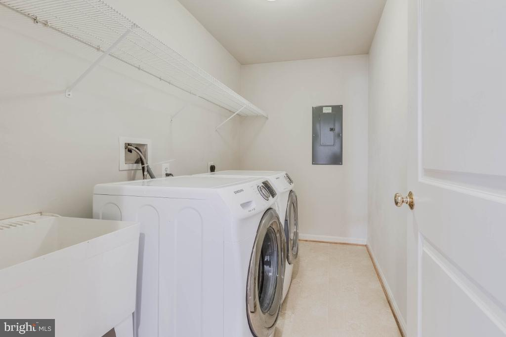 Washer and dryer upstairs at MBRM level. - 13010 CLARKSBURG SQUARE RD, CLARKSBURG