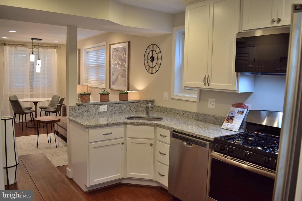 Kitchen - 1713 NEWTON ST NE, WASHINGTON