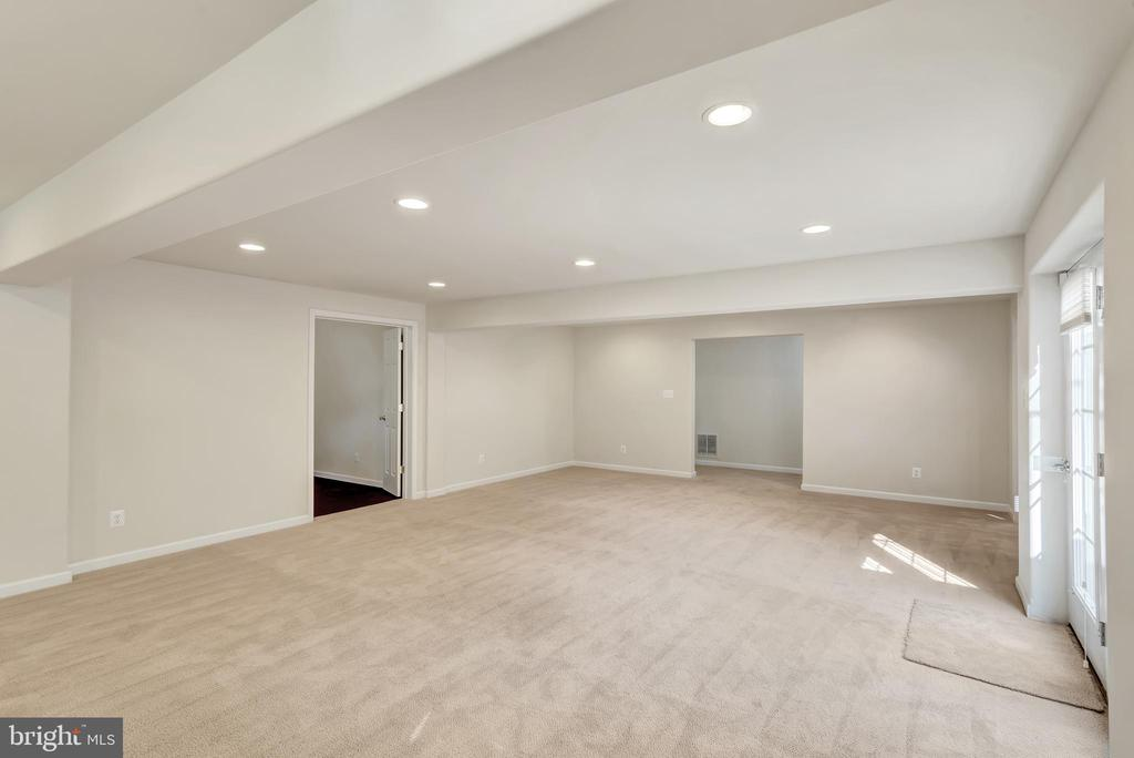 The basement hallway is in the background. - 38 PRESIDENTIAL LN, STAFFORD