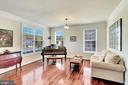 The living room. - 38 PRESIDENTIAL LN, STAFFORD