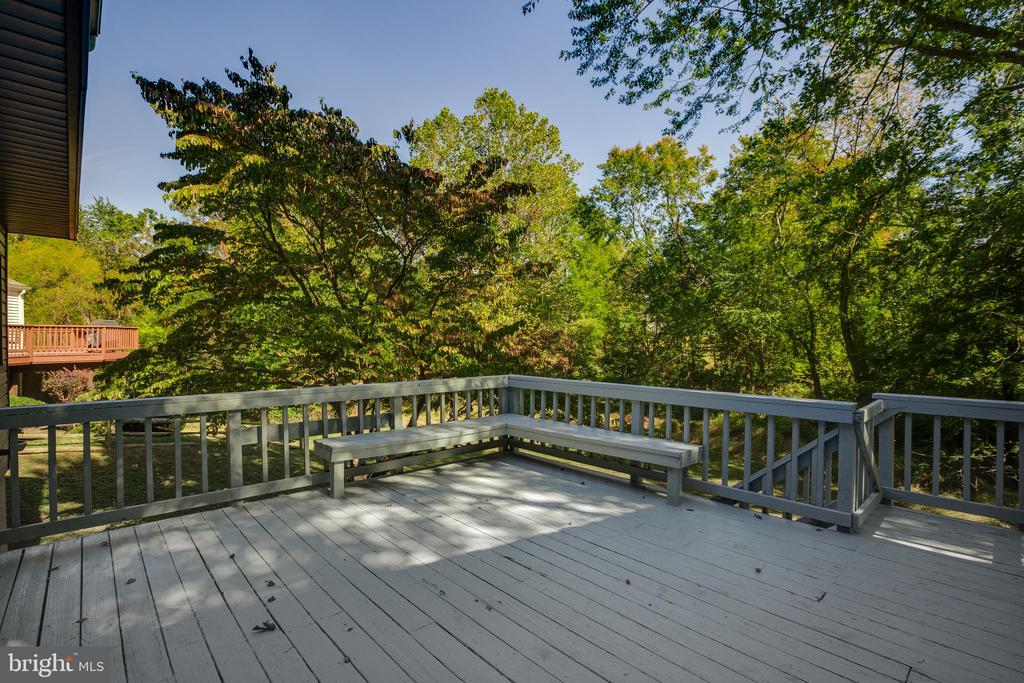 Deck off of Kitchen and Family Room - 8 FULLVIEW CT, GAITHERSBURG