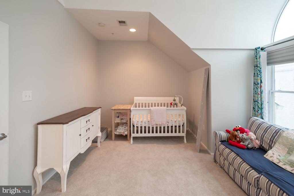 Bedroom 2 - 2086 N OAKLAND ST, ARLINGTON