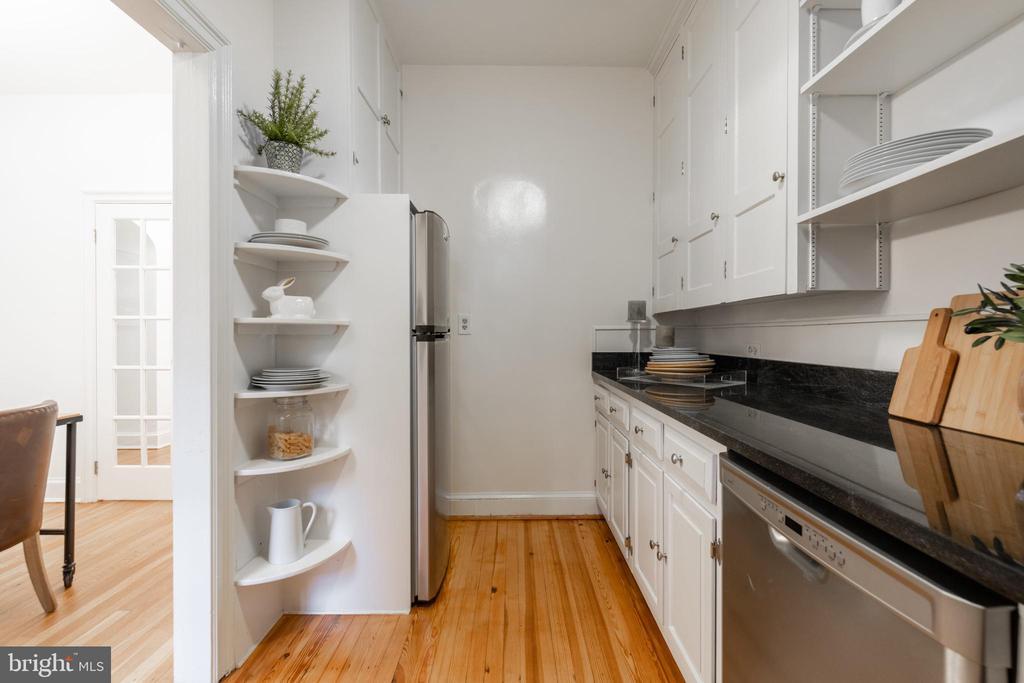 Kitchen - 3900 CONNECTICUT AVE NW #102G, WASHINGTON