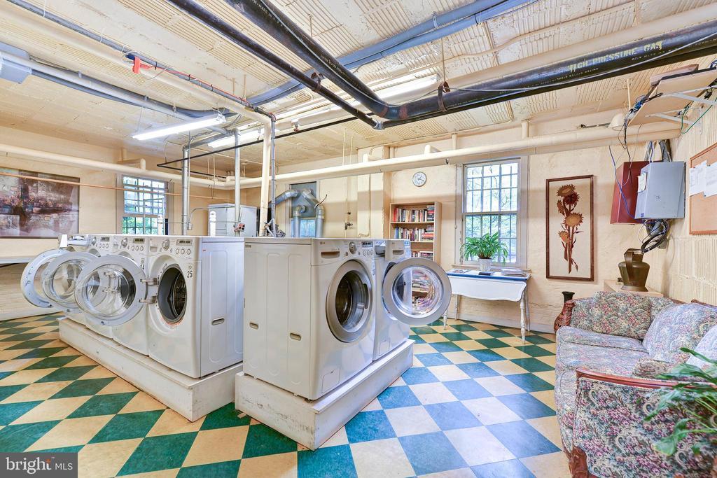 Free Laundry Facility - 3900 CONNECTICUT AVE NW #102G, WASHINGTON