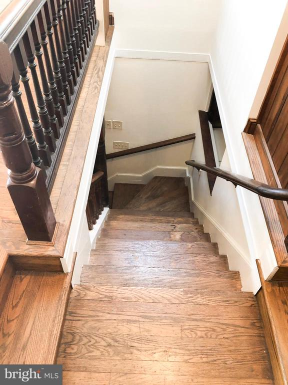 GUEST HOUSE - Original stairs to 2nd Story Loft - 210 N KING ST, LEESBURG