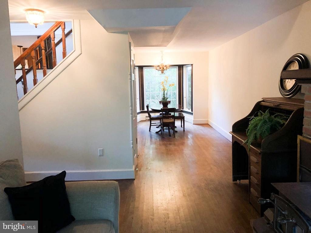 GUEST HOUSE - View from Living area to Dining - 210 N KING ST, LEESBURG