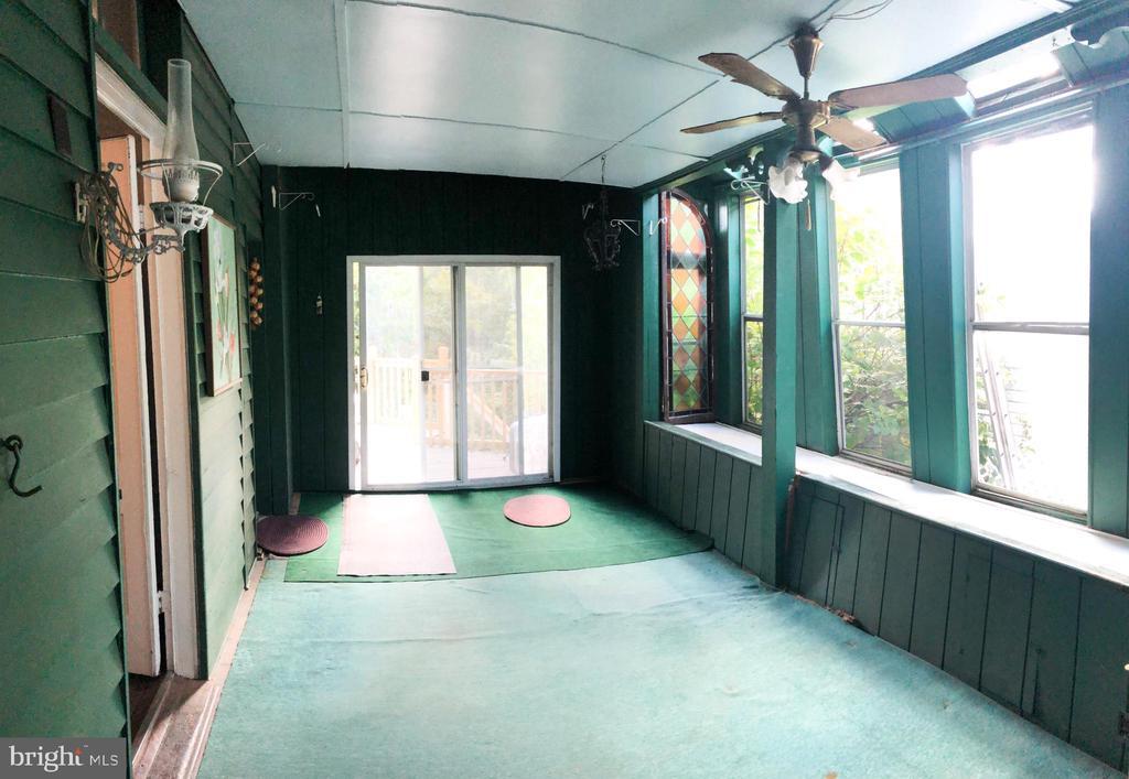 MAIN HOUSE - Sleeping Porch - 210 N KING ST, LEESBURG