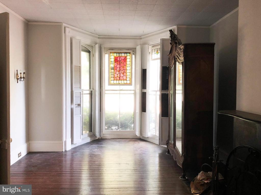 Front Parlor with Bay window w/stained glass - 210 N KING ST, LEESBURG