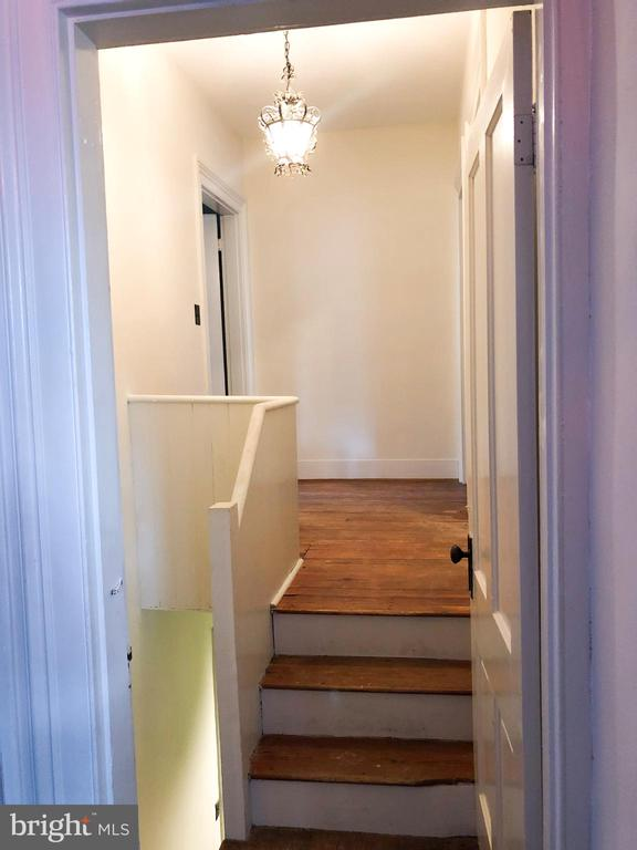 2nd staircase (formerly the servants stairs) - 210 N KING ST, LEESBURG