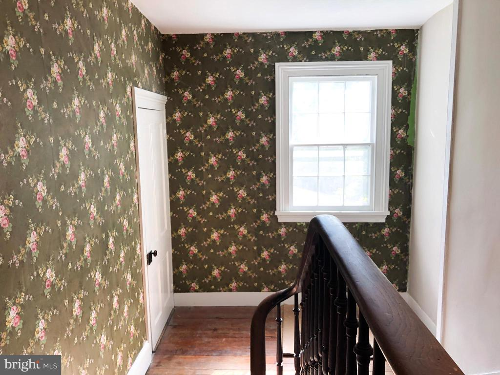 3rd level w/ door & stairs to large attic - 210 N KING ST, LEESBURG