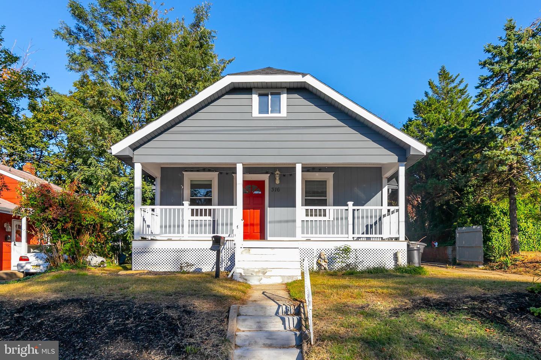 Single Family Homes pour l Vente à Runnemede, New Jersey 08078 États-Unis
