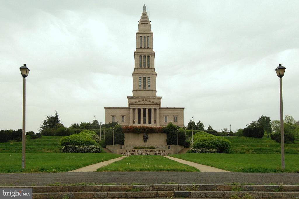 Geo Washington Masonic Monument - 820-A S WASHINGTON ST #329, ALEXANDRIA