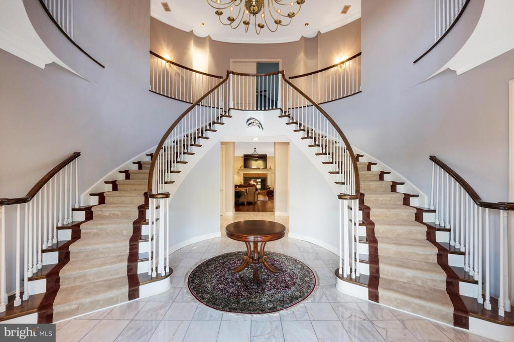 Two-story entry foyer with majestic staircase - 3057 RUNDELAC RD, ANNAPOLIS