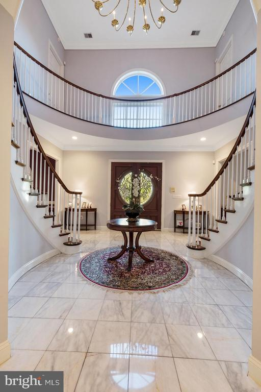 View of the foyer from the central hallway - 3057 RUNDELAC RD, ANNAPOLIS