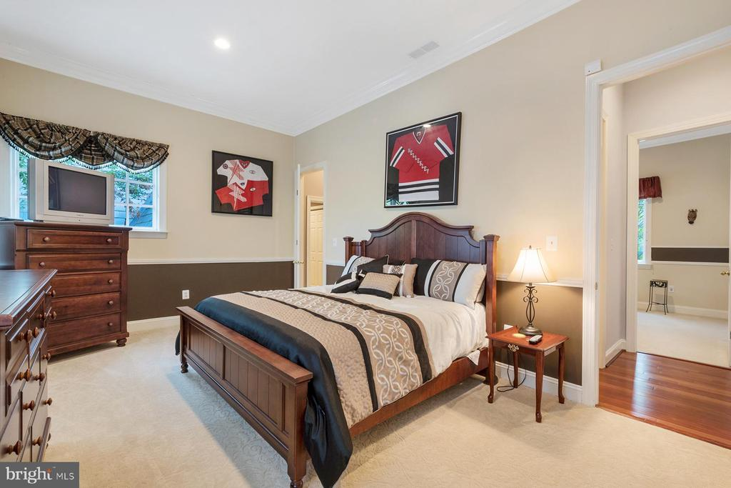 First of three additional bedrooms upstairs - 3057 RUNDELAC RD, ANNAPOLIS
