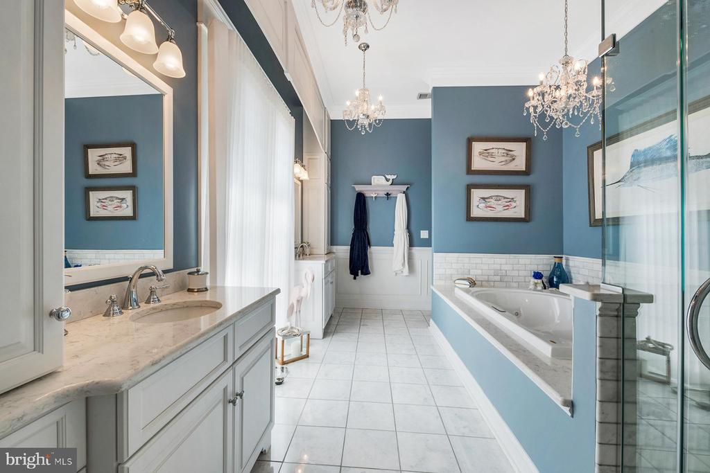 Master bath has marble tile & crystal chandeliers - 3057 RUNDELAC RD, ANNAPOLIS