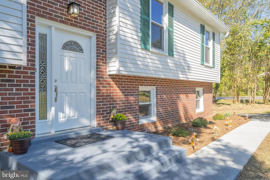 Welcome Home! - 14 BRYANT BLVD, STAFFORD