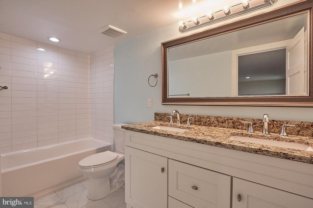 Bathroom - 2704 GAITHER ST, TEMPLE HILLS