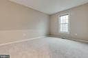 Spacious secondary bedrooms on upper level - 21825 FORMOSA SQ, STERLING