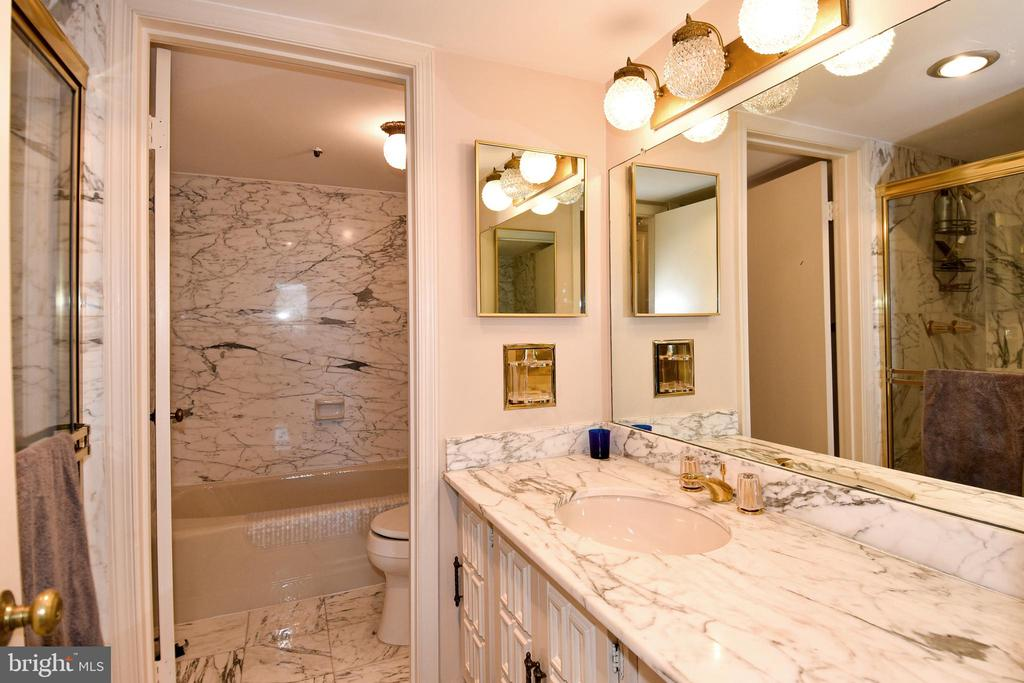Spacious Master Bath  with Carrara Marble Counters - 1101 S ARLINGTON RIDGE RD #903, ARLINGTON