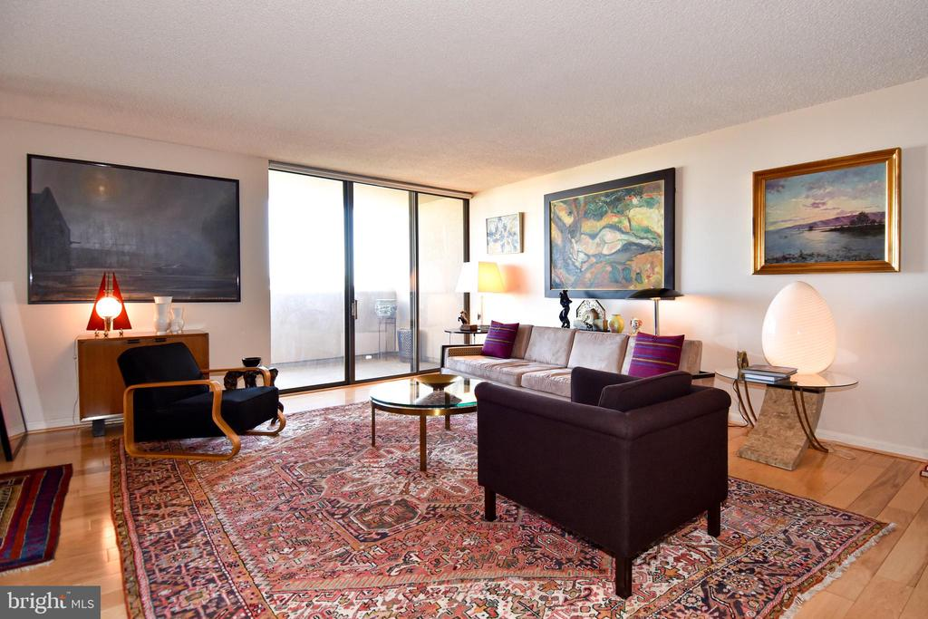 Living Room with Glass Doors to the Balcony - 1101 S ARLINGTON RIDGE RD #903, ARLINGTON