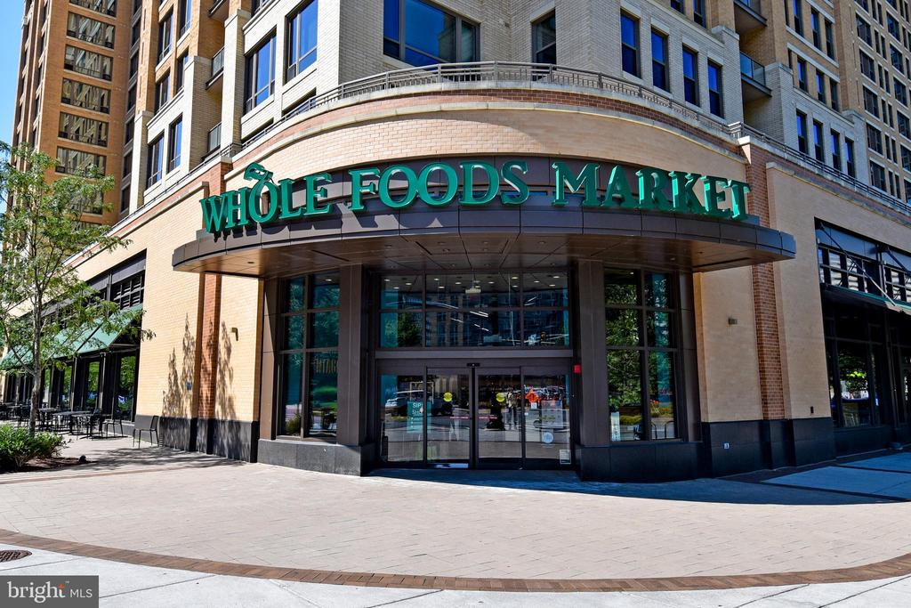 Nearby Whole Food Store - 1101 S ARLINGTON RIDGE RD #903, ARLINGTON