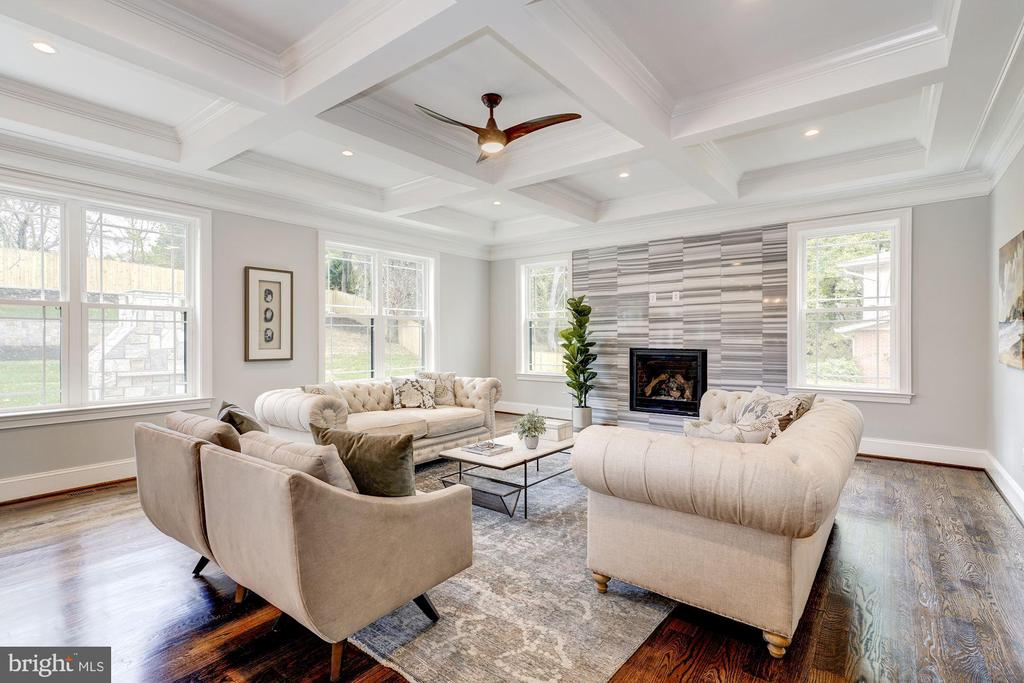 Family room with gorgeous marble fireplace - 932 DEAD RUN DR, MCLEAN