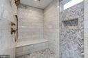 Spa-like Walk-in shower - 932 DEAD RUN DR, MCLEAN