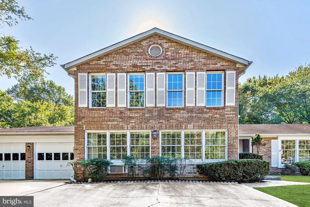 Brick front, lots of windows to let in the light! - 1209 GOTH LN, SILVER SPRING