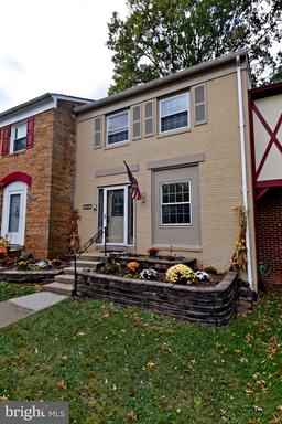 Property for sale at 14854 Bodley Sq, Centreville,  Virginia 20120