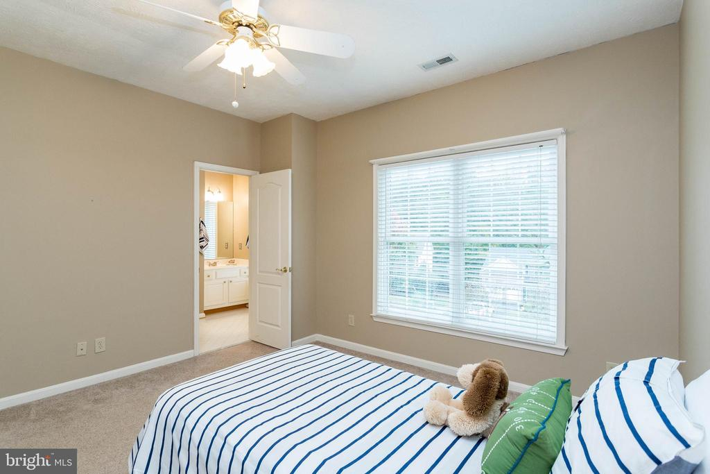 All bedrooms are spacious - 3 BULLRUSH CT, STAFFORD
