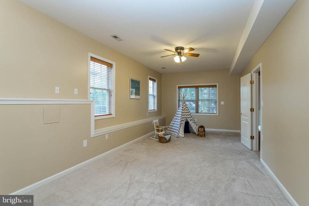 Basement bedroom or play space - 3 BULLRUSH CT, STAFFORD