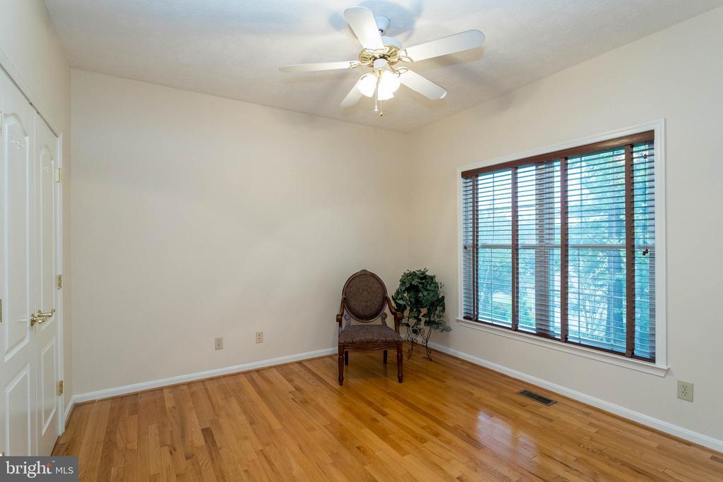 Gorgeous wood floors in living room - 3 BULLRUSH CT, STAFFORD