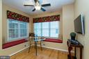 Custom window bench seats in kitchen - 3 BULLRUSH CT, STAFFORD
