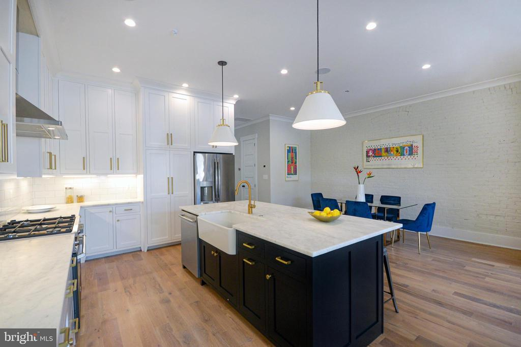 State-of-the-art appliances and custom cabinets. - 1432 1/2 G ST SE, WASHINGTON