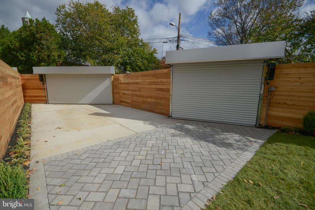 Secured parking for two, or flexible bonus patio. - 1432 1/2 G ST SE, WASHINGTON