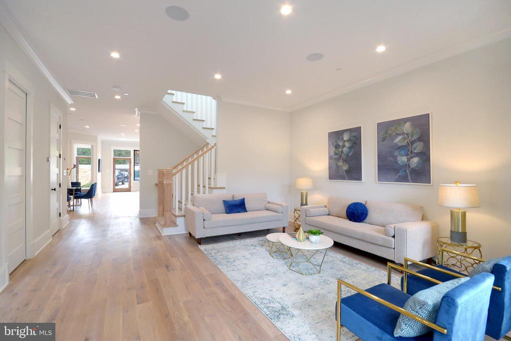 Solid white oak floors throughout - 1432 1/2 G ST SE, WASHINGTON