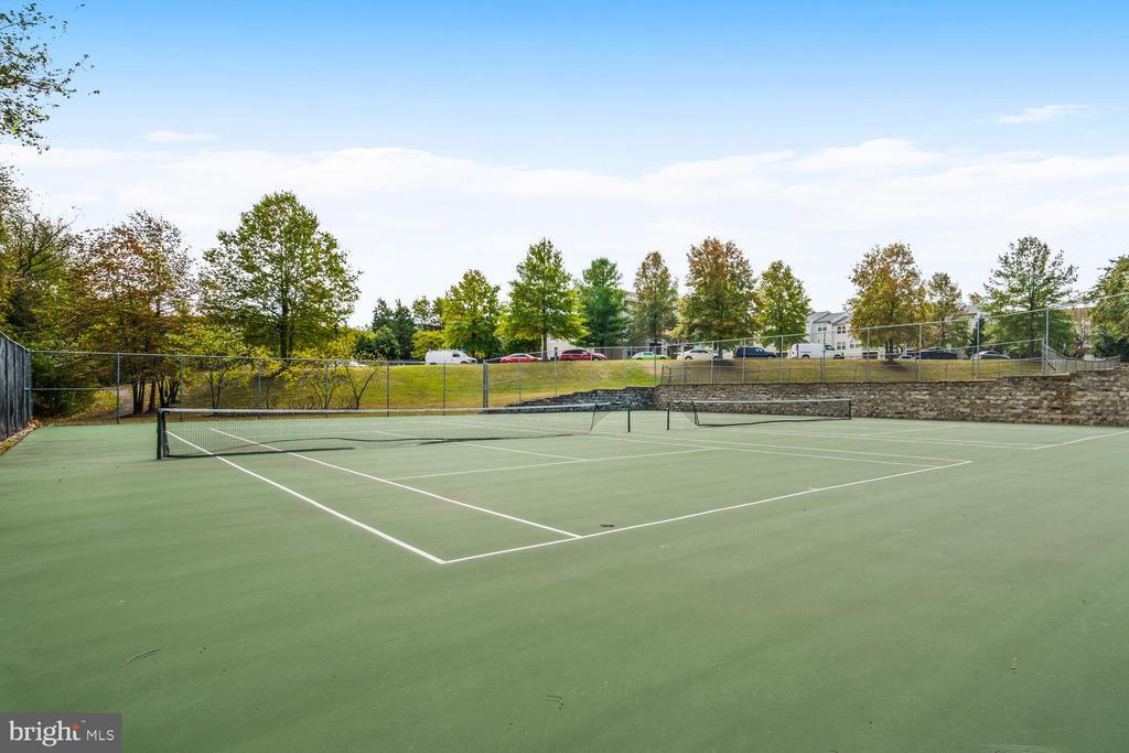 Community Tennis Courts - 46837 TRUMPET CIR, STERLING