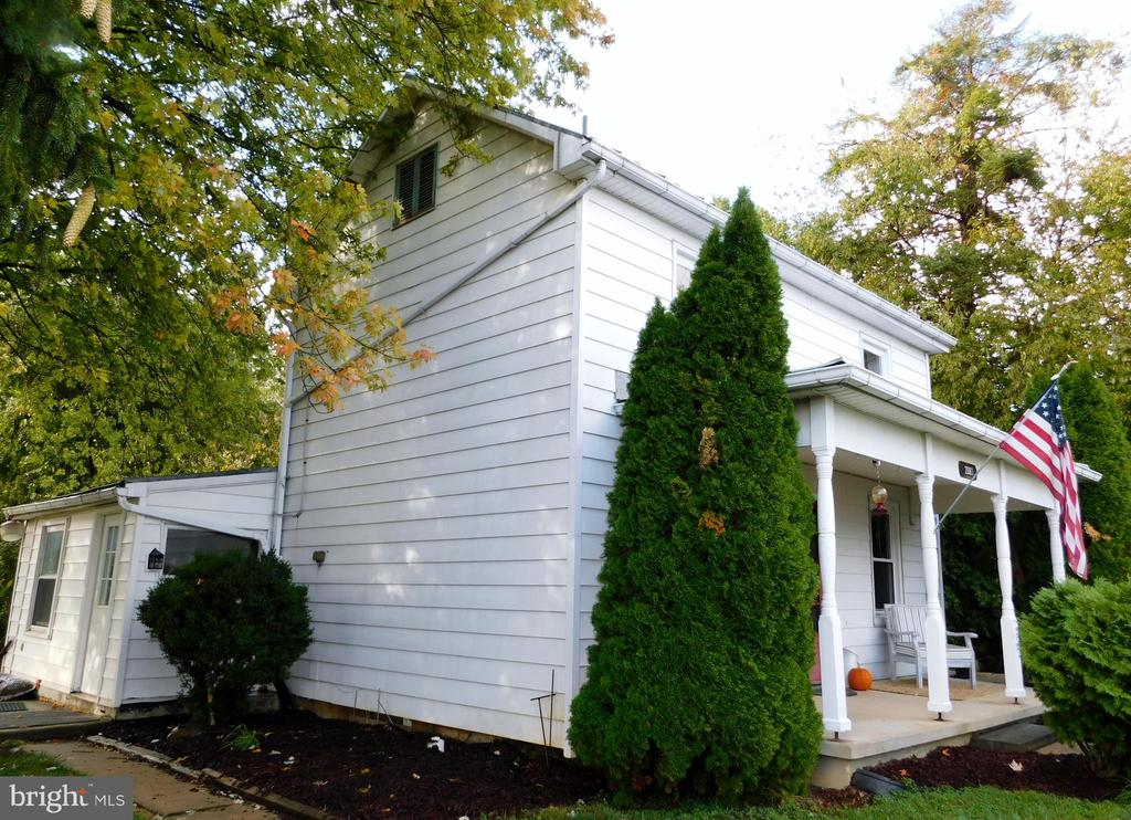 Front / Side Exterior - 2083 BERRYVILLE PIKE, RIPPON