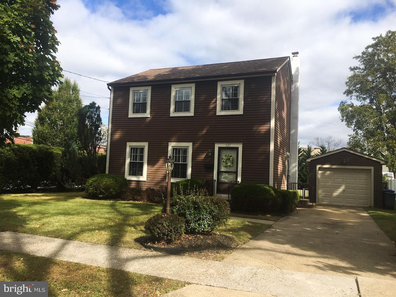 Single Family Homes pour l Vente à Riverton, New Jersey 08077 États-Unis