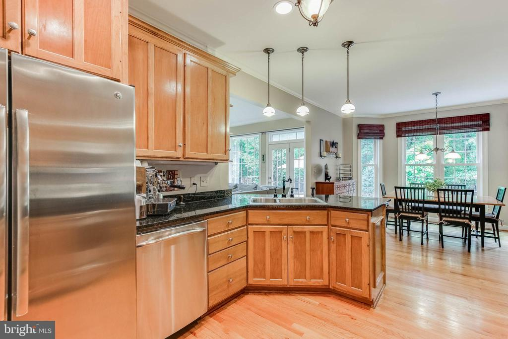 Kitchen with granite and stainless - 8240 EDGEWOOD CHURCH RD, FREDERICK