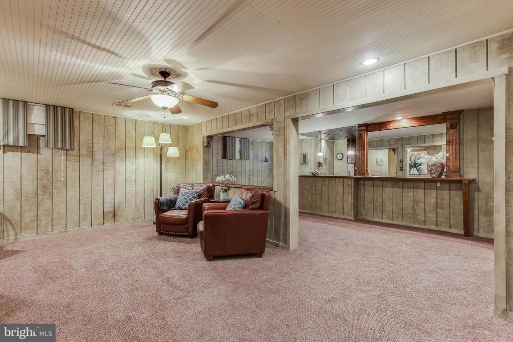 Fully finished basement area family room - 8240 EDGEWOOD CHURCH RD, FREDERICK