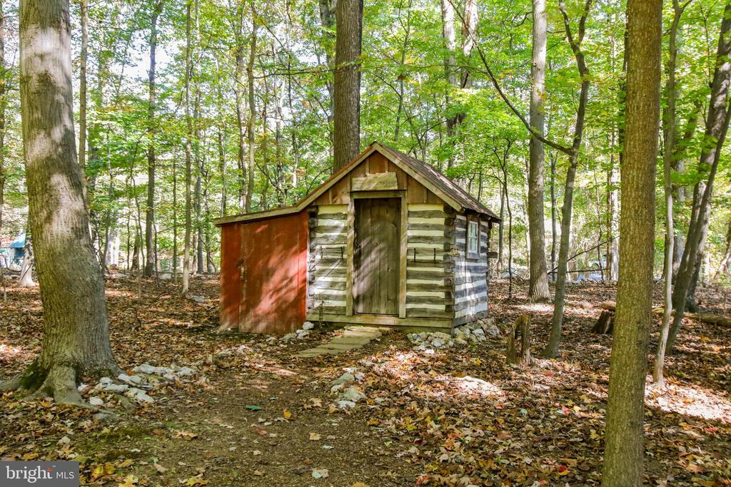 Small wood shed - 8240 EDGEWOOD CHURCH RD, FREDERICK