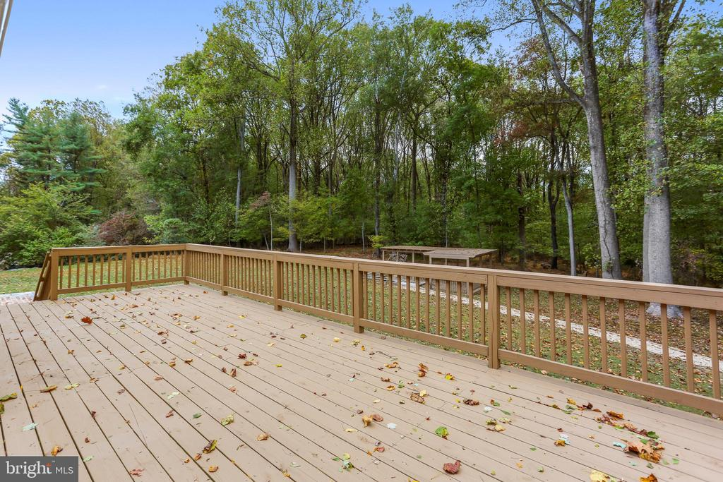 Spacious deck for your enjoyment - 315 SCOTT DR, SILVER SPRING