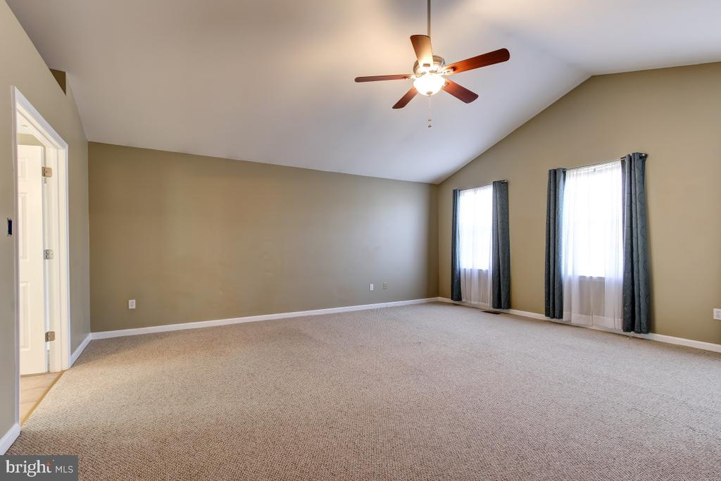 Master Bedroom with Cathedral Ceilings - 9224 MATTHEW DR, MANASSAS PARK
