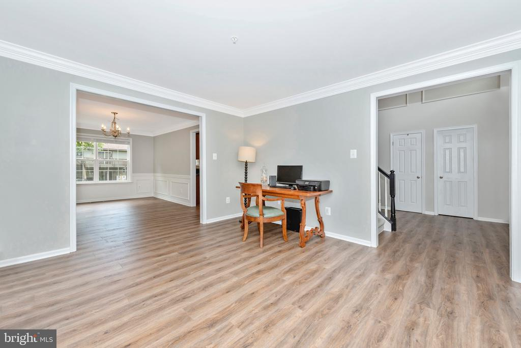 Front room-make it yours! - 10303 ILIAMNA CT, NEW MARKET